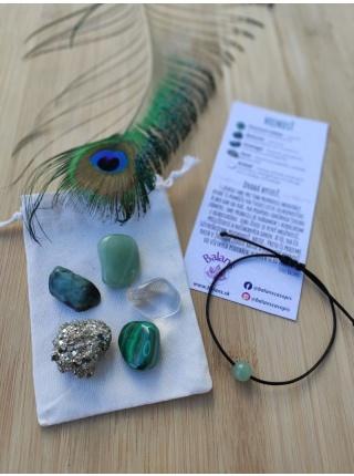 HOJNOSŤ – balíček minerálov (avanturín, malachit, smaragd, pyrit, krištáľ)