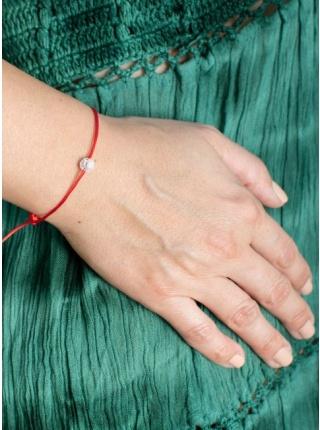 Červená šnúrka s praskaným krištáľom malý korálik